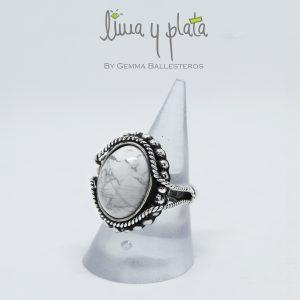 anillo de plata con onix