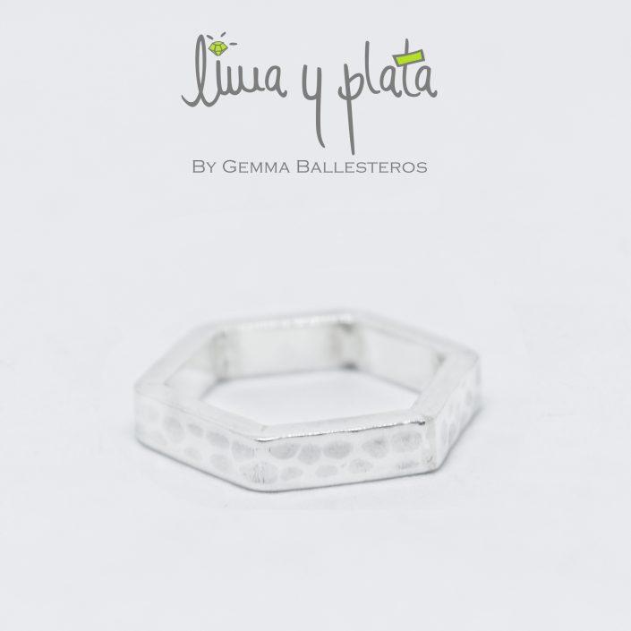 anillo hexagonal plata