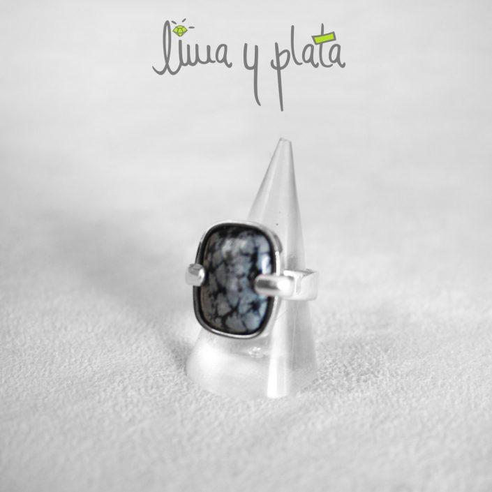 anillo de jade