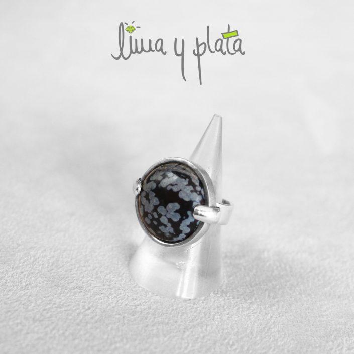 anillo de jade negro